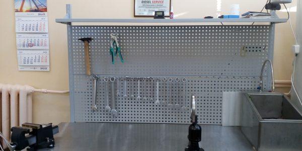Верстак для работы по ремонту форсунок и насосов